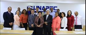 UNAPEC entrega títulos de la Universidad de Valencia a estudiantes de la 5ta. Cohorte de la Maestría en Auditoría Integral y Control de Gestión