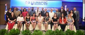 UNAPEC reconoce docentes en el día del maestro