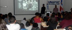 Estudiantes de UNAPEC participan de conversatorio ¿Quieres crear un Videojuego 3D?