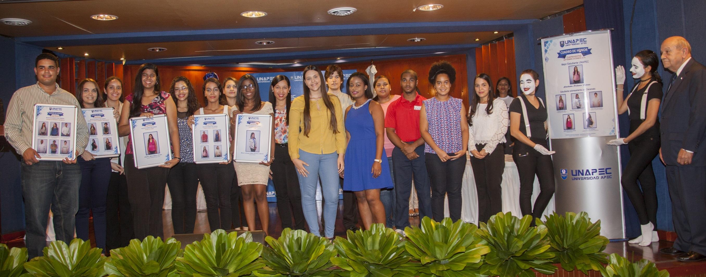 Mejores Estudiantes Cuatrimestre Septiembre - diciembre 2016.