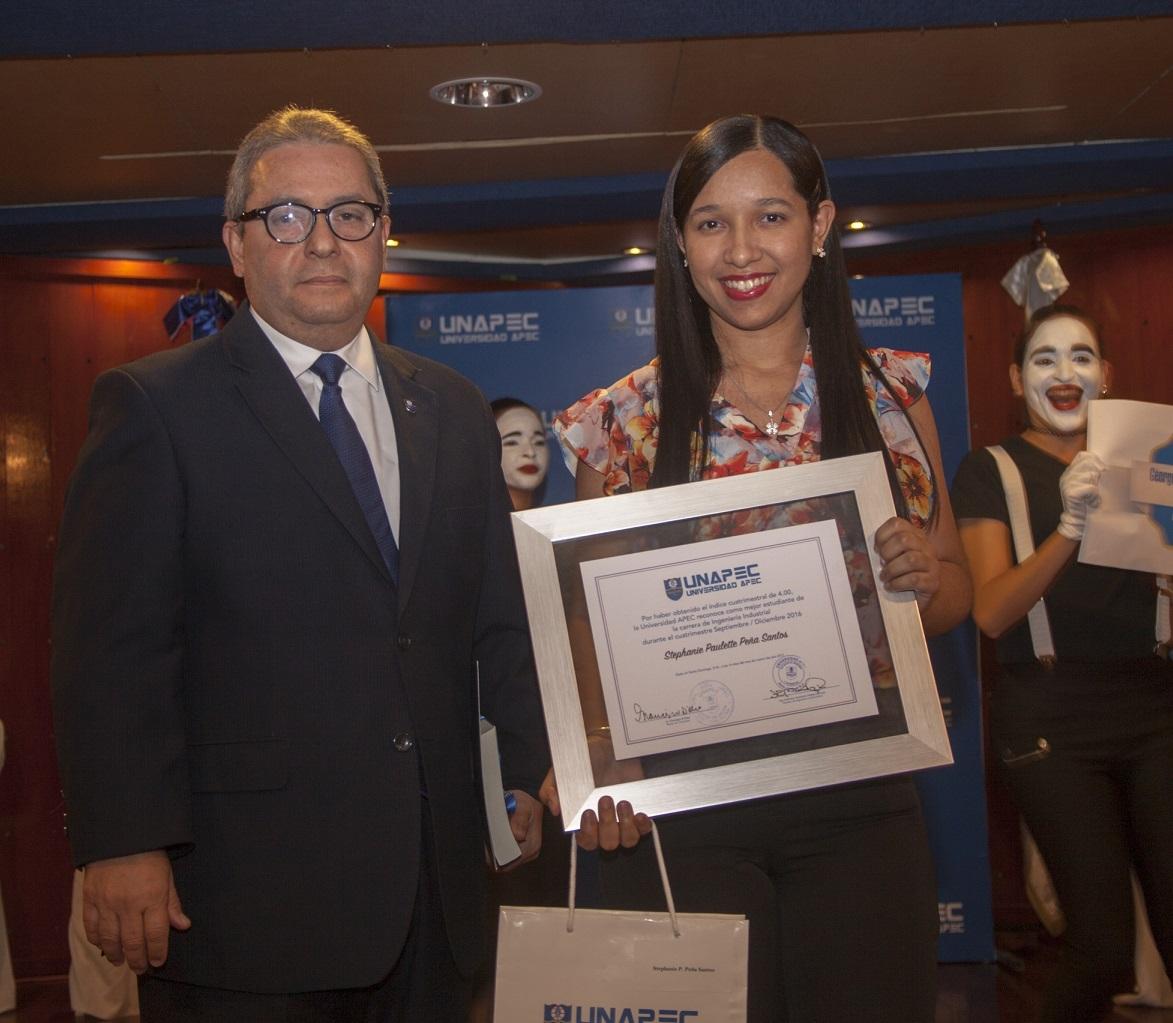 Stephanie Paulette Peña Santos, Ingeniería Industrial.