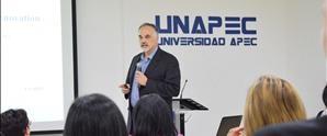 Conferencista internacional Francis Bellido imparte charla en UNAPEC sobre innovación