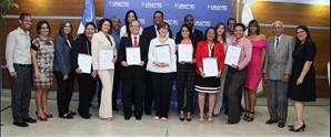 UNAPEC entrega 32 nuevos certificados a profesores culminaron con éxito el Diplomado Experto en Docencia Universitaria