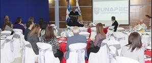 UNAPEC reconoce docentes destacados en programas de Educación Continuada durante encuentro navideño