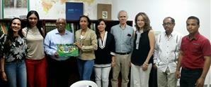Estudiantes de UNAPEC entregan propuesta de parques inclusivos a la Alcaldía del Distrito Nacional
