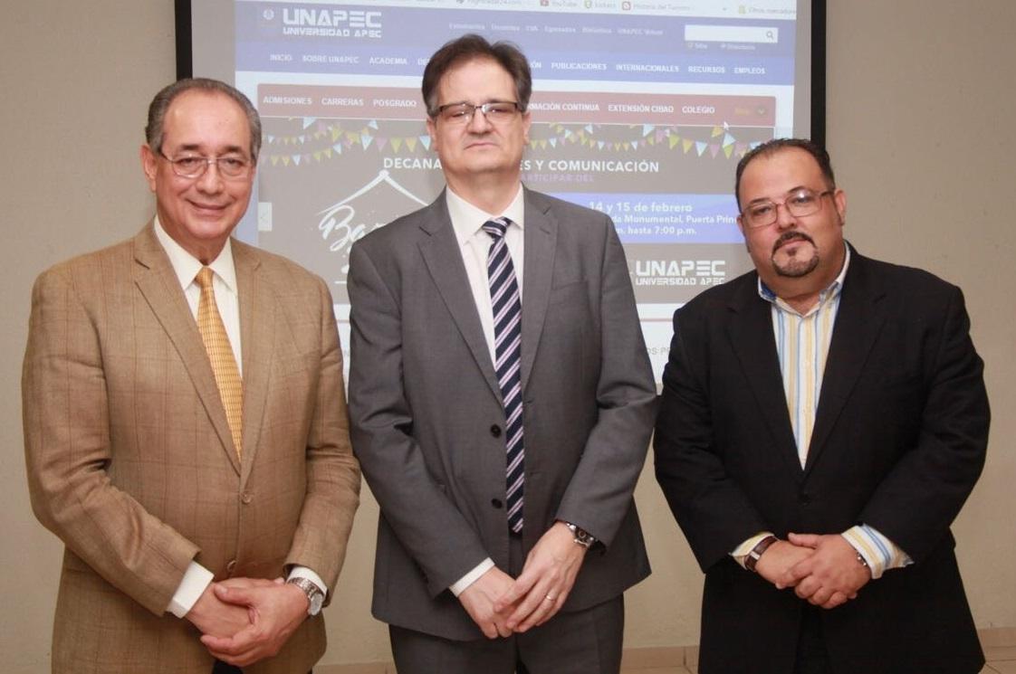 Decano de Turismo, Luis Felipe Aquino; presidente de la Red Estable de Turismo Accesible de España, Diego Gonzalez Velasco; y profesor José Gilberto Soto.