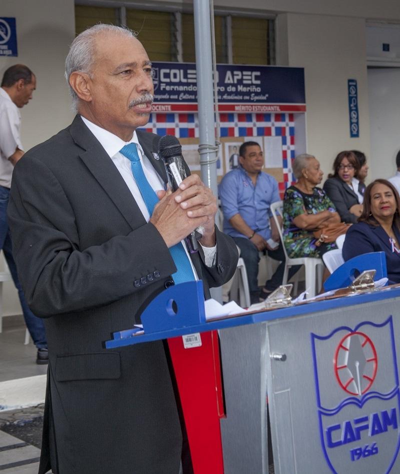 Licenciado Francisco De Oleo, rector en funciones de la Universidad APEC.
