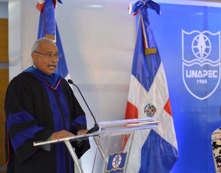 Lic. Francisco D Oleo, Vicerrector Acádemico de UNAPEC.