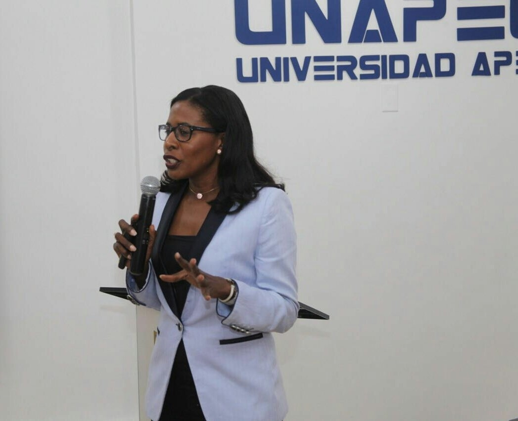 Conferencista: Abogada Michelle Germán.