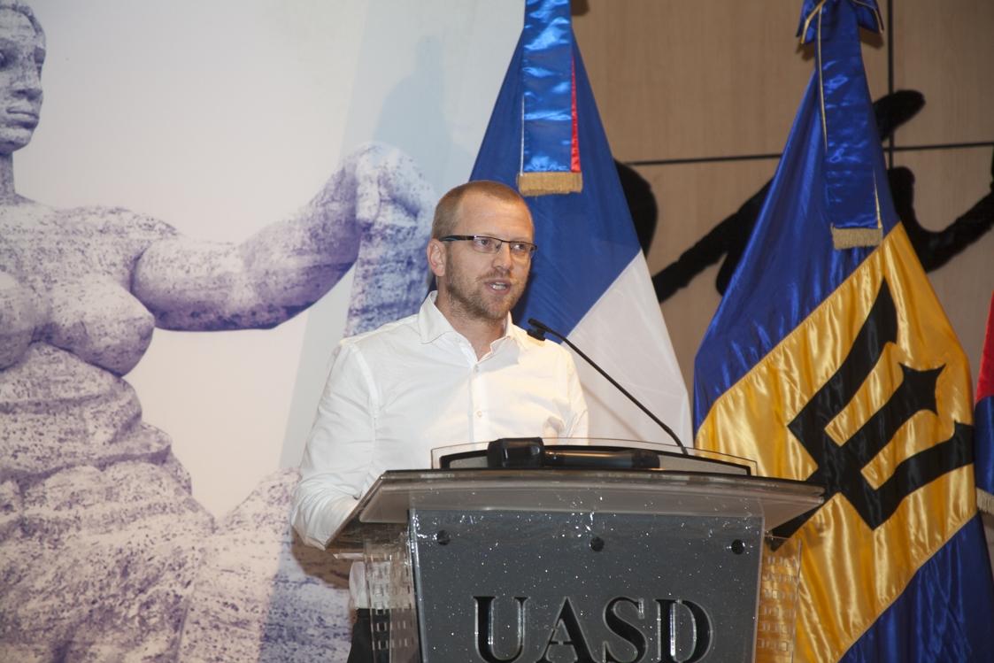 Administrador regional de la Agencia Universitaria de la Francofonía, Jean Paul Mortelette.