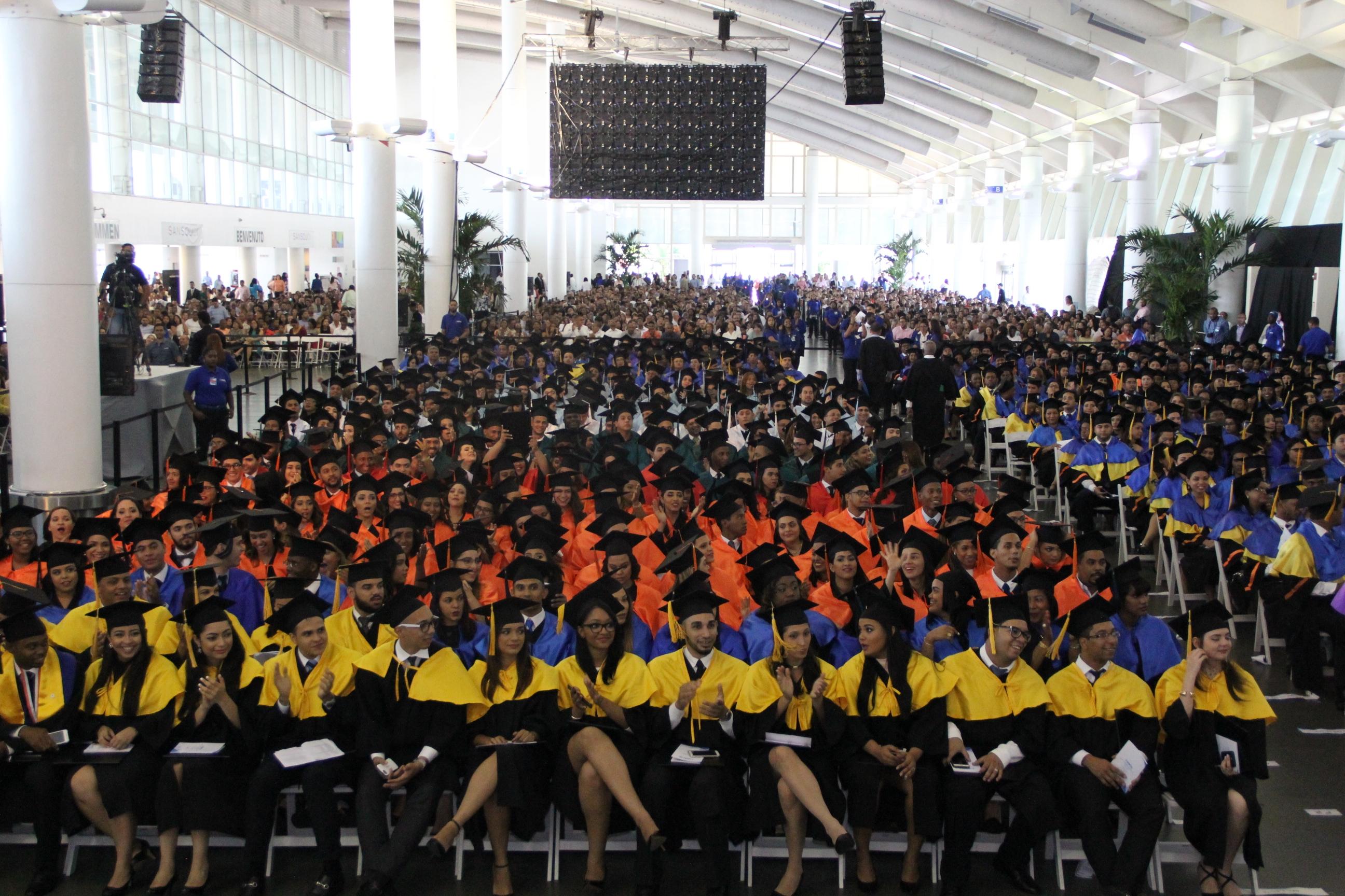 Graduación Extraordinaria UNAPEC (Mayo 2017)