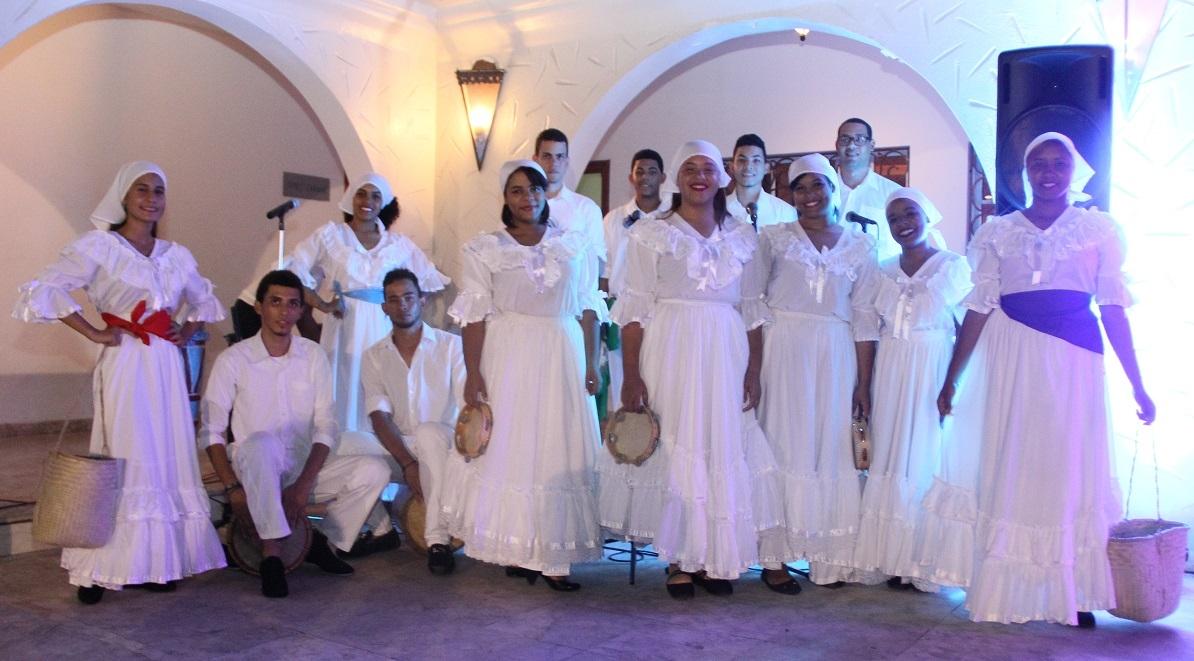 Grupo de Danza de UNAPEC.