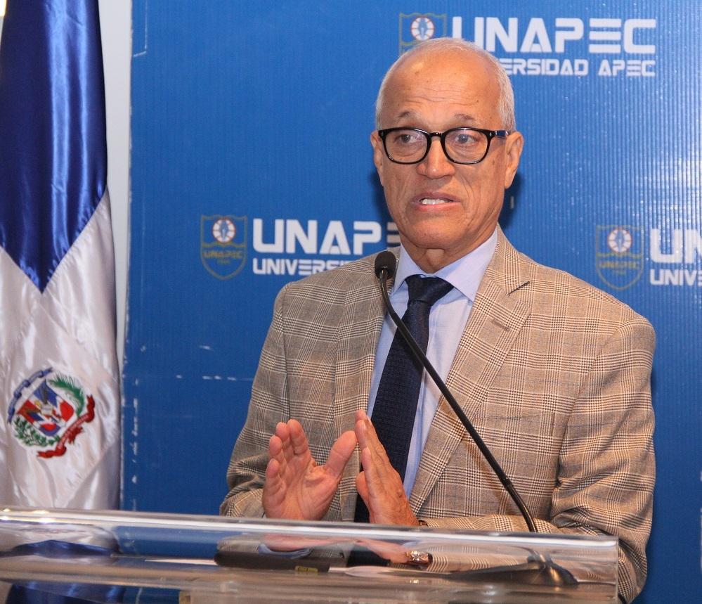 Dr. Andrés L. Mateo, Decano de Estudios Generales de UNAPEC