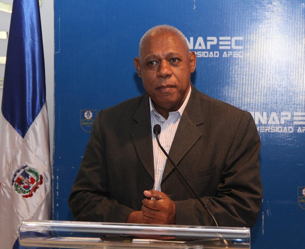 Ing. Eleuterio Martínez, representante de la Academia de Ciencias