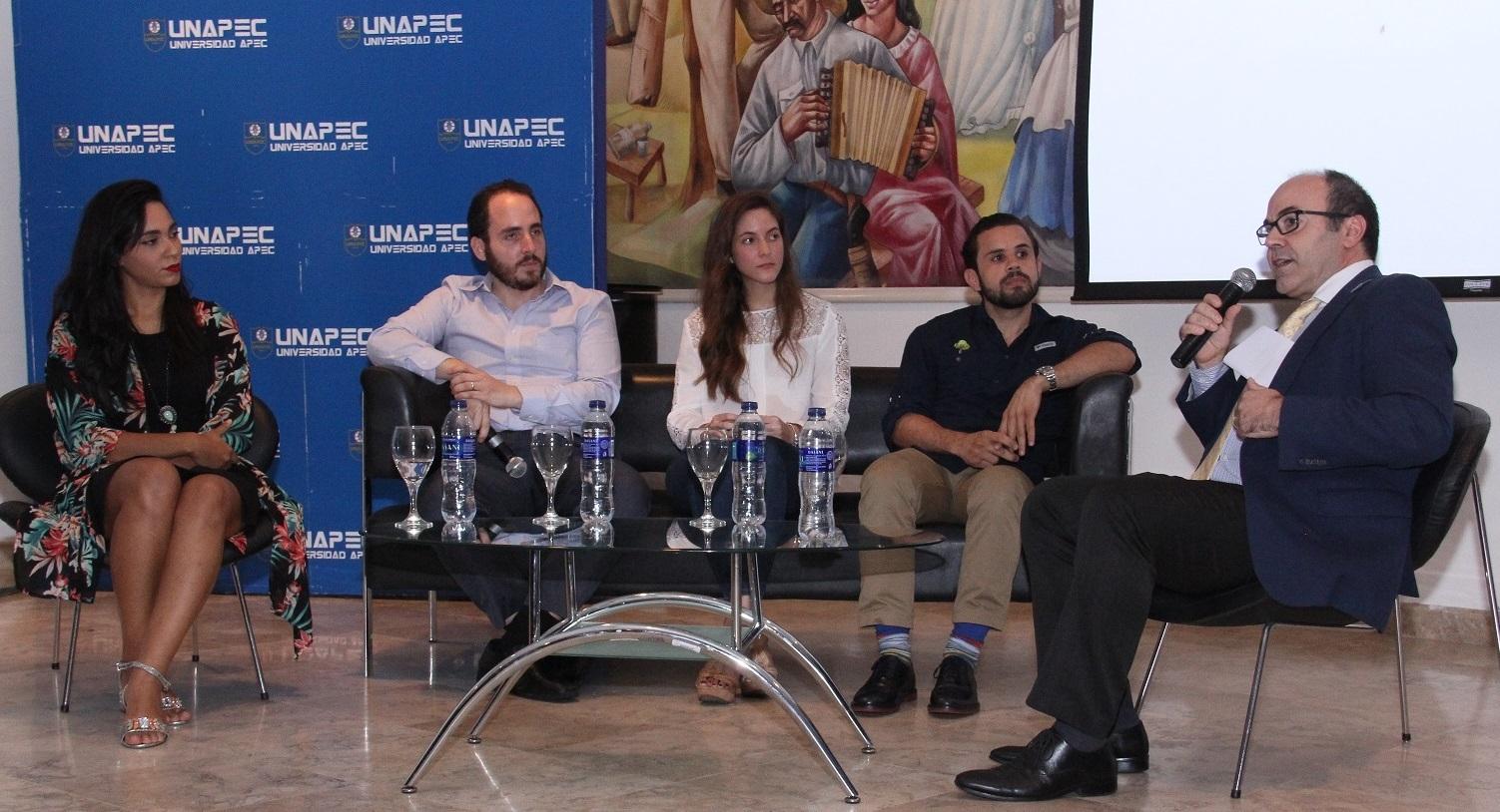 Agencia Llorente & Cuenca escoge a UNAPEC como escenario para presentar su Social Week 2017