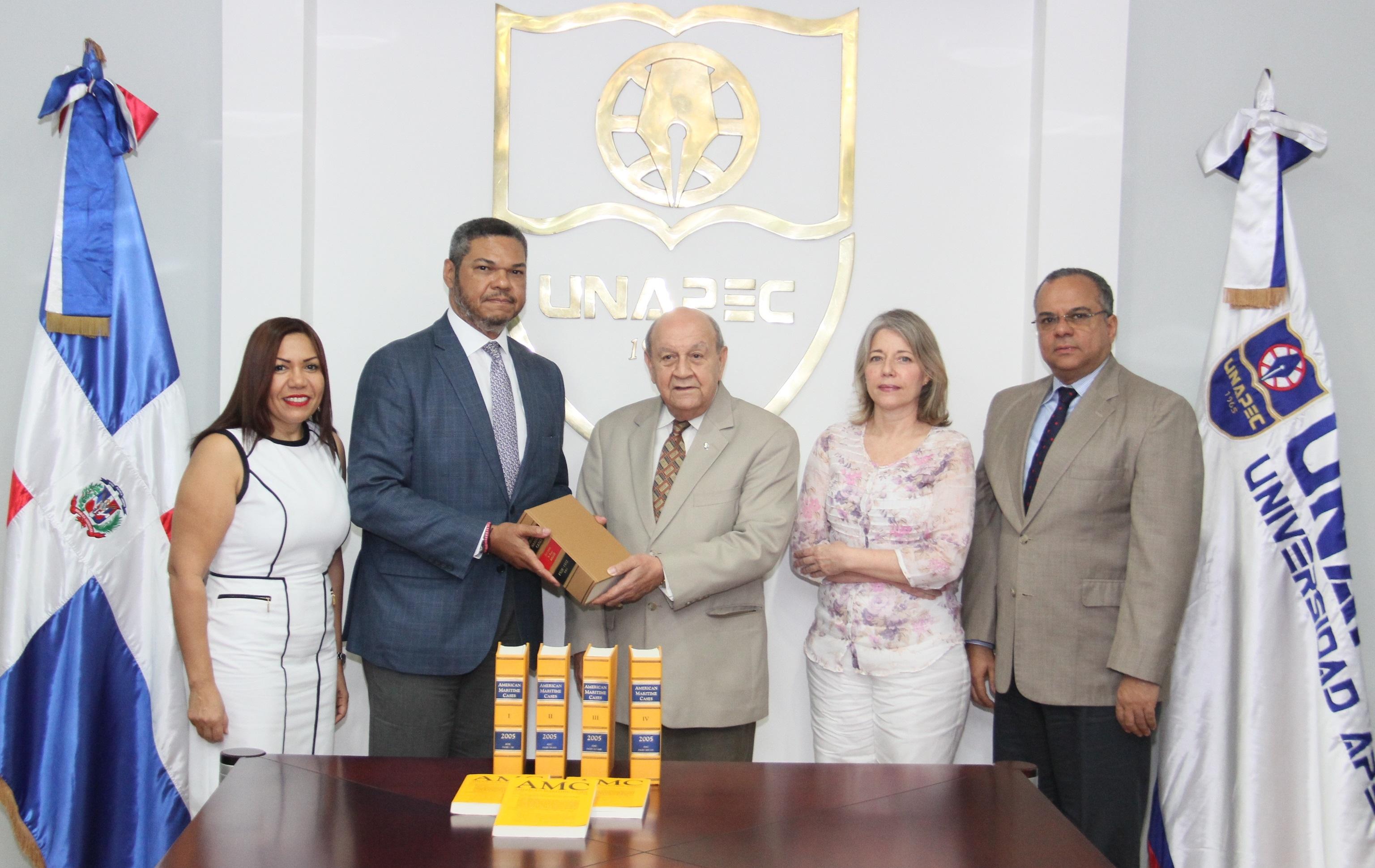 Universidad APEC y Fundación Tito Mella unen esfuerzos para crear primera biblioteca marítima en República Dominicana