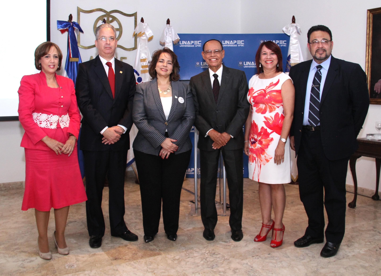 """UNAPEC y Compras Públicas capacitan expertos en """"Integridad corporativa, transparencia y buen gobierno"""""""