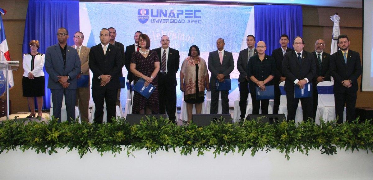 UNAPEC celebra con entusiasmo dedicación y excelencia de sus docentes durante acto del Día del Maestro 2017