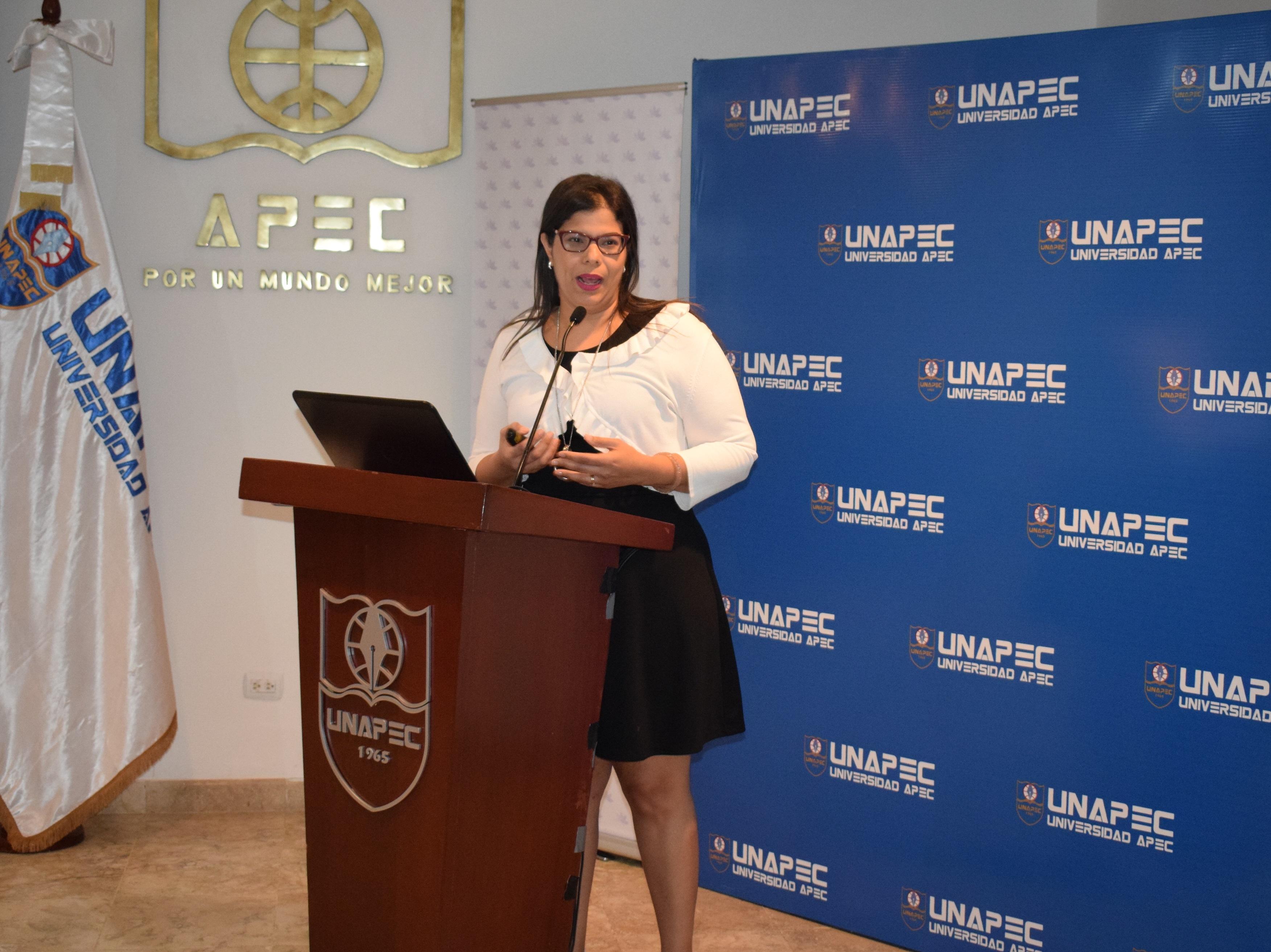 Mariela Rid, Gerente de Gestión Humana y responsable de la Fundación BelCorp