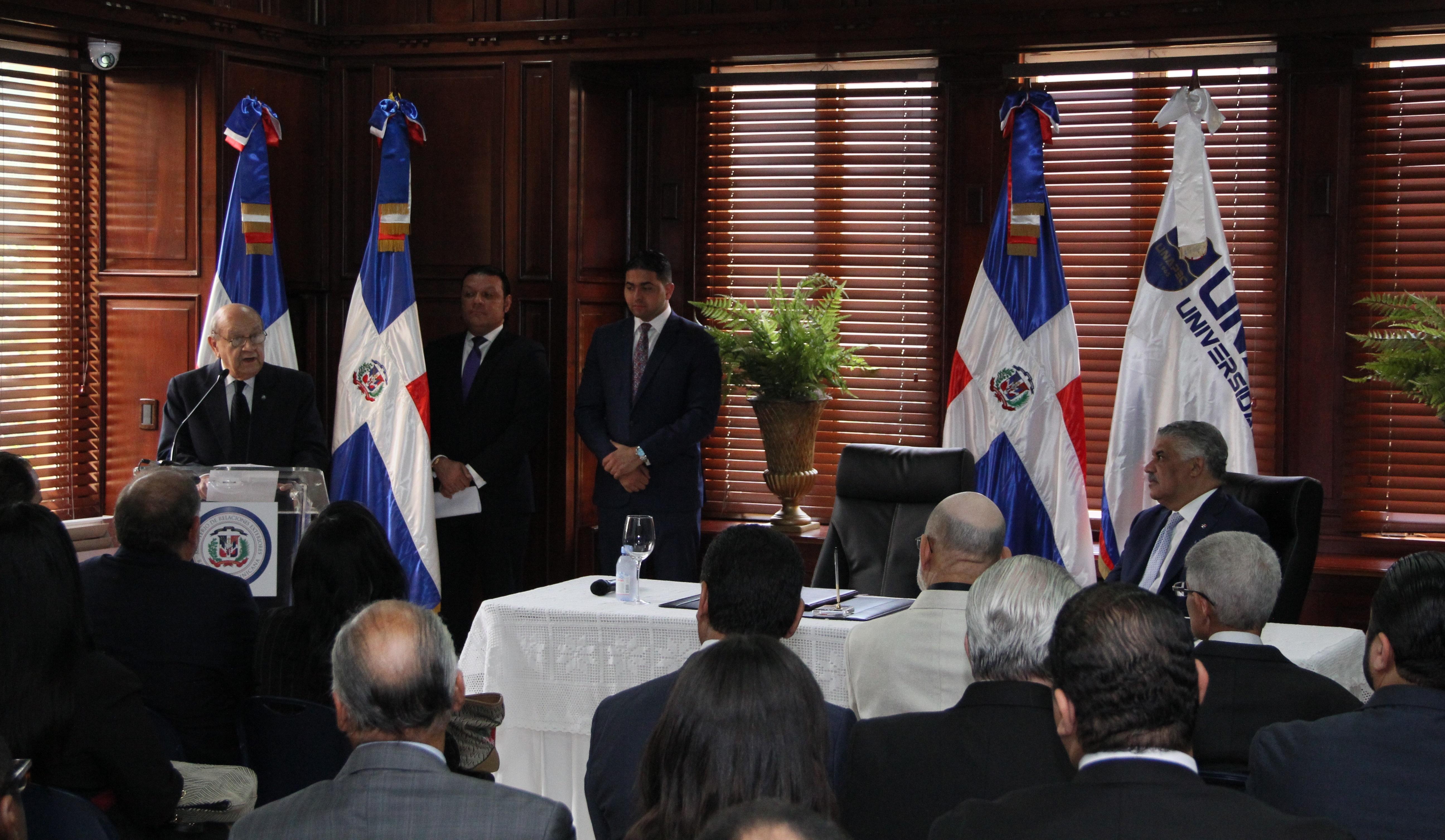 UNAPEC y Ministerio de Relaciones Exteriores firman acuerdo impulsa Diplomacia Educativa y fortalece creación de políticas públicas