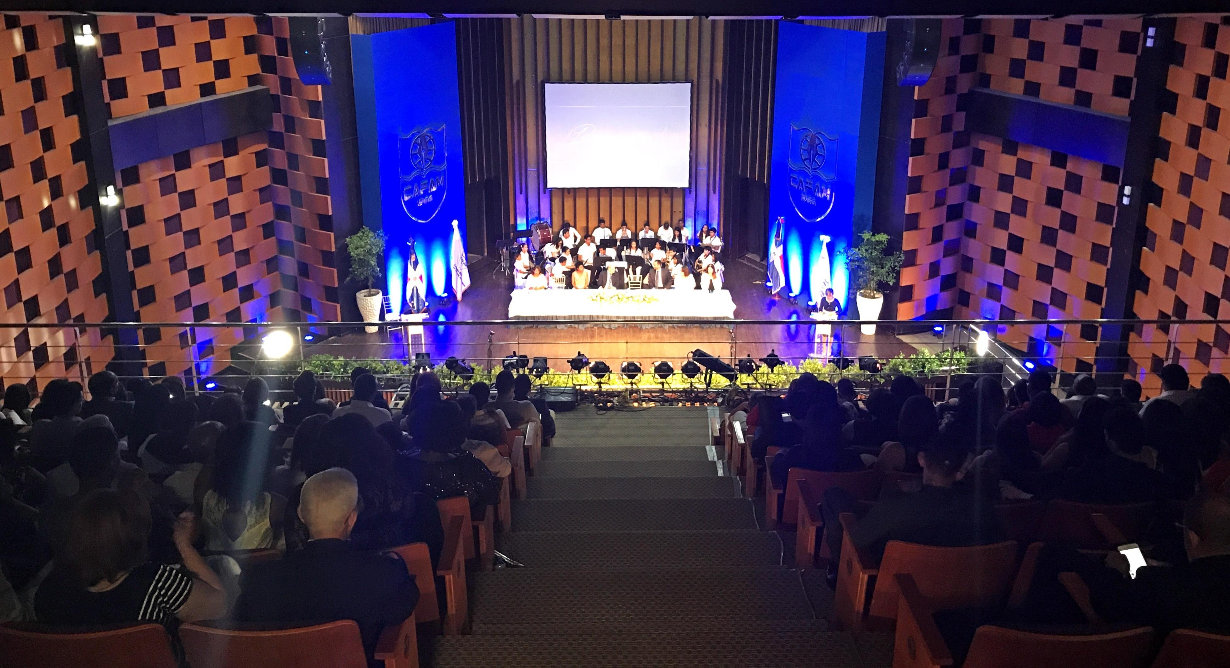 Colegio APEC Fernando Arturo de Meriño celebra su Quincuagésima ceremonia de Graduación