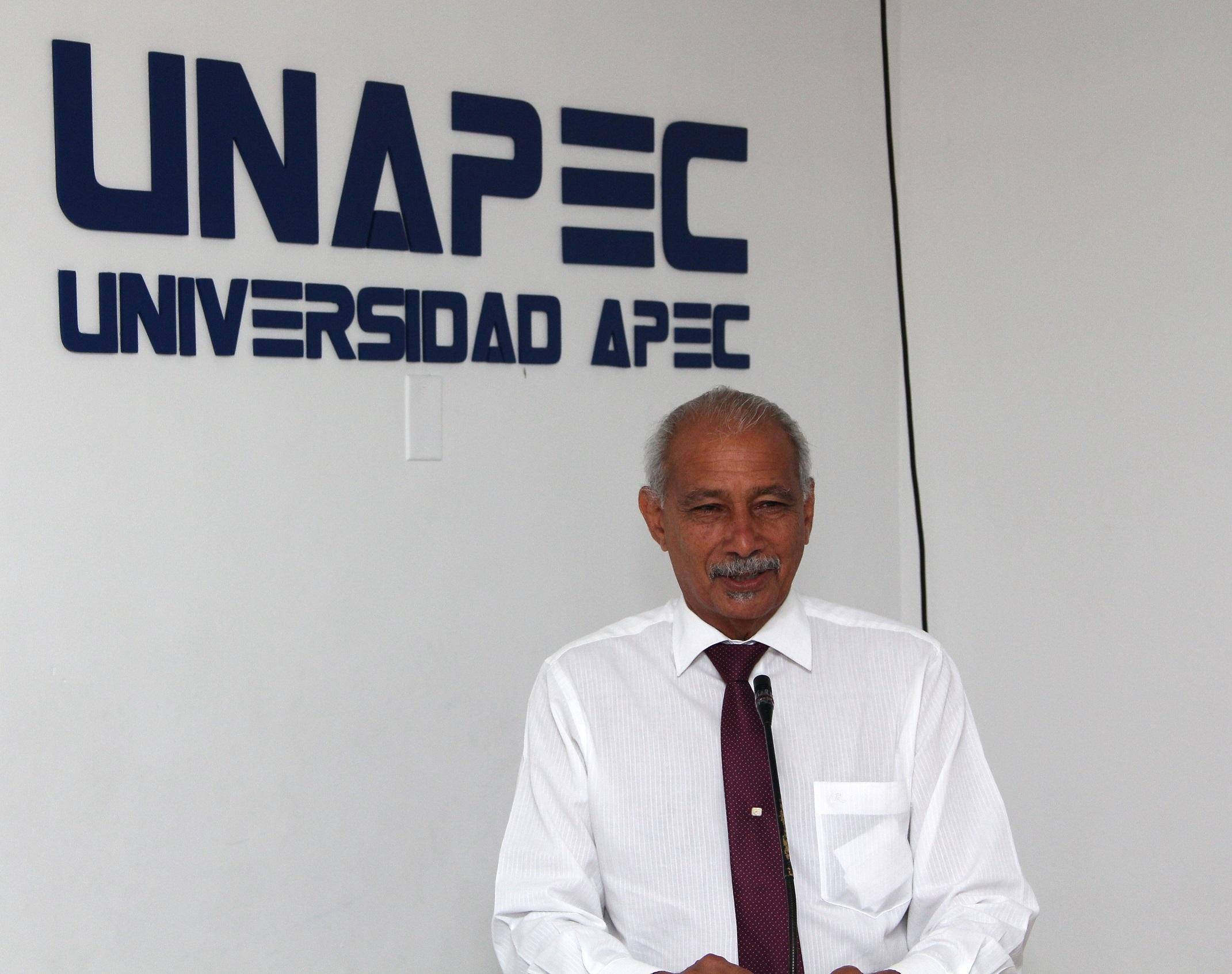 rancisco D Oleo, Vicerrector de Investigación, Innovación y Desarrollo Estratégico de UNAPEC