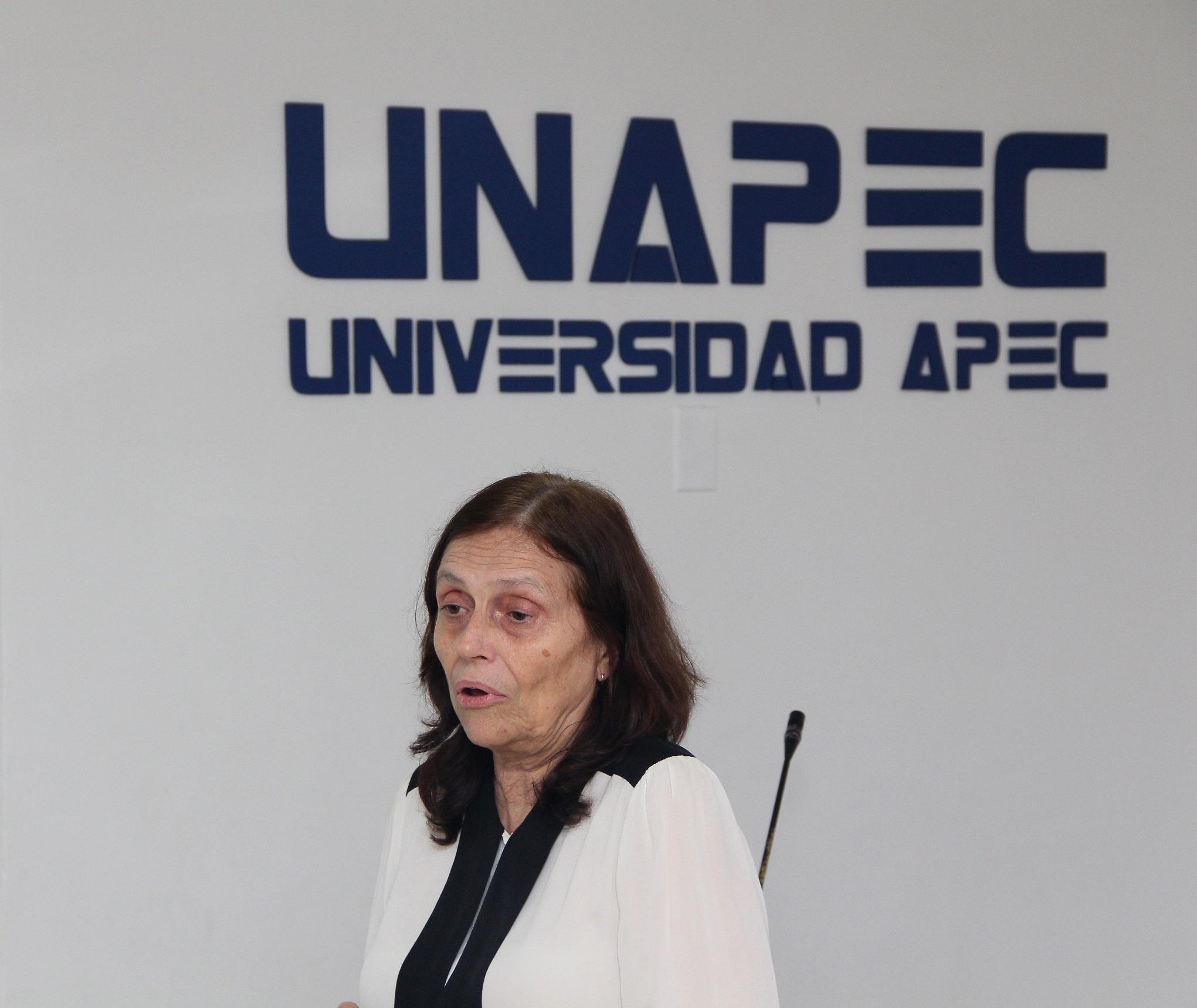 Profesora María Dolores Sevilla Quintana.