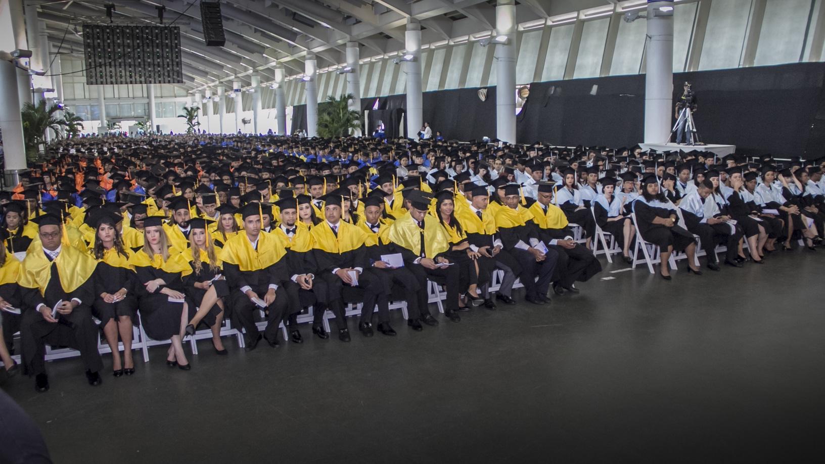 Graduación Ordinaria de UNAPEC -Octubre 2017-