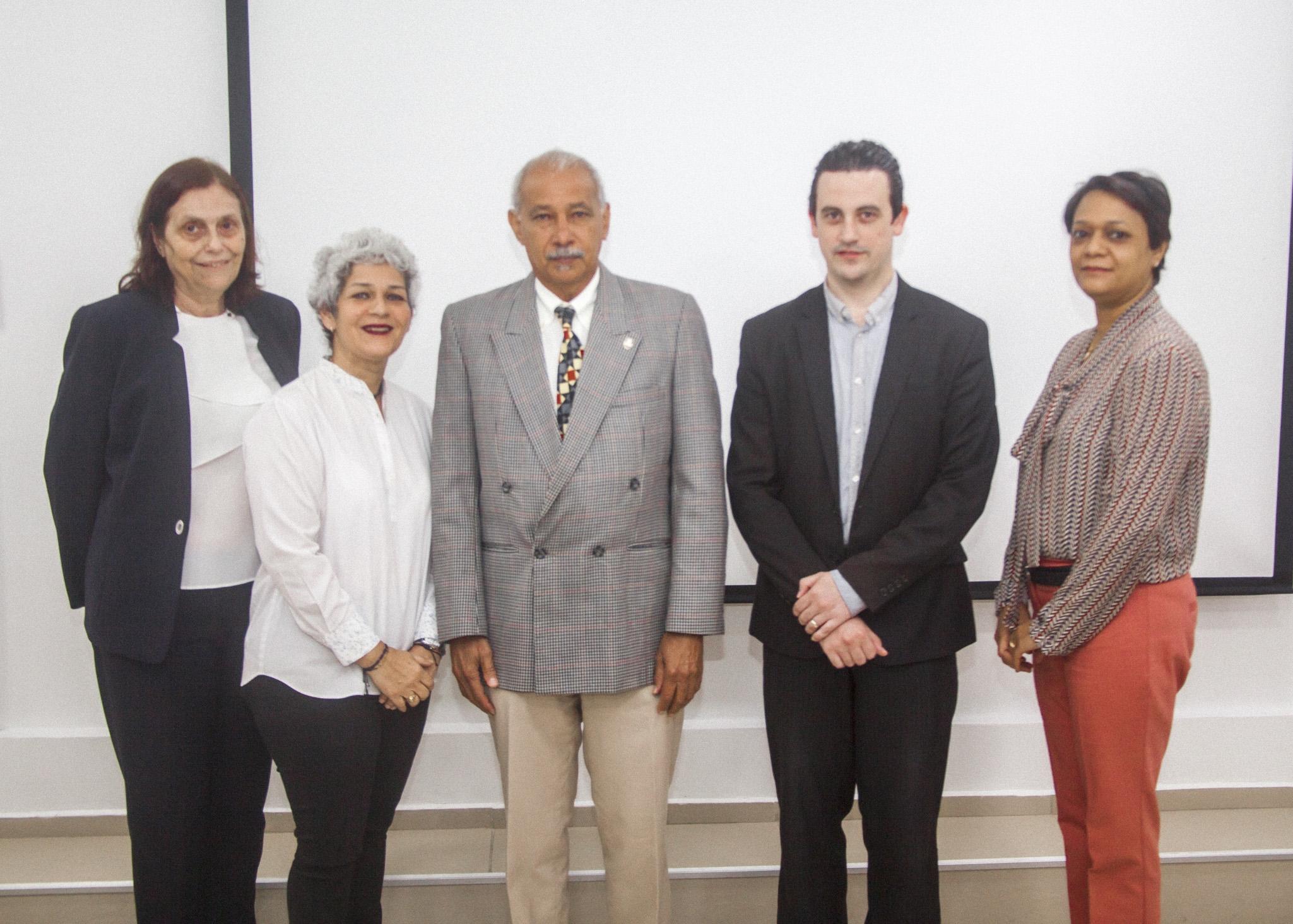 Gerente del Banco de Alimentos de RD imparte charla en UNAPEC