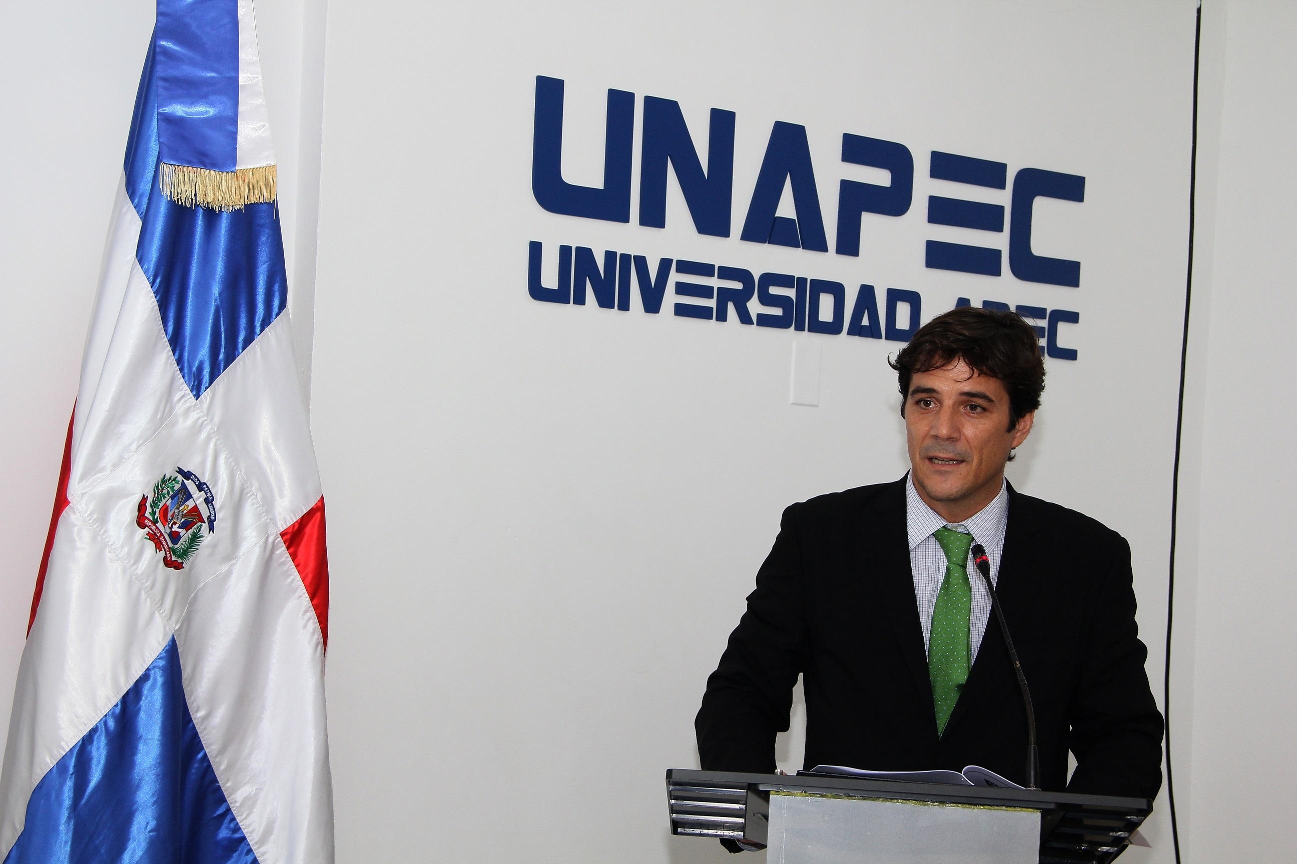 Javier Cantero, Encargado de Asuntos Culturales de la Embajada de España.