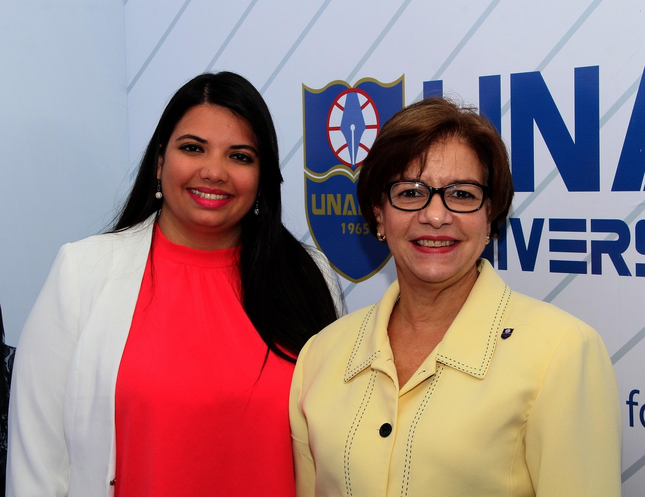 Cherlyn Rodríguez y María Isabel Sánchez en CIPA 2017.