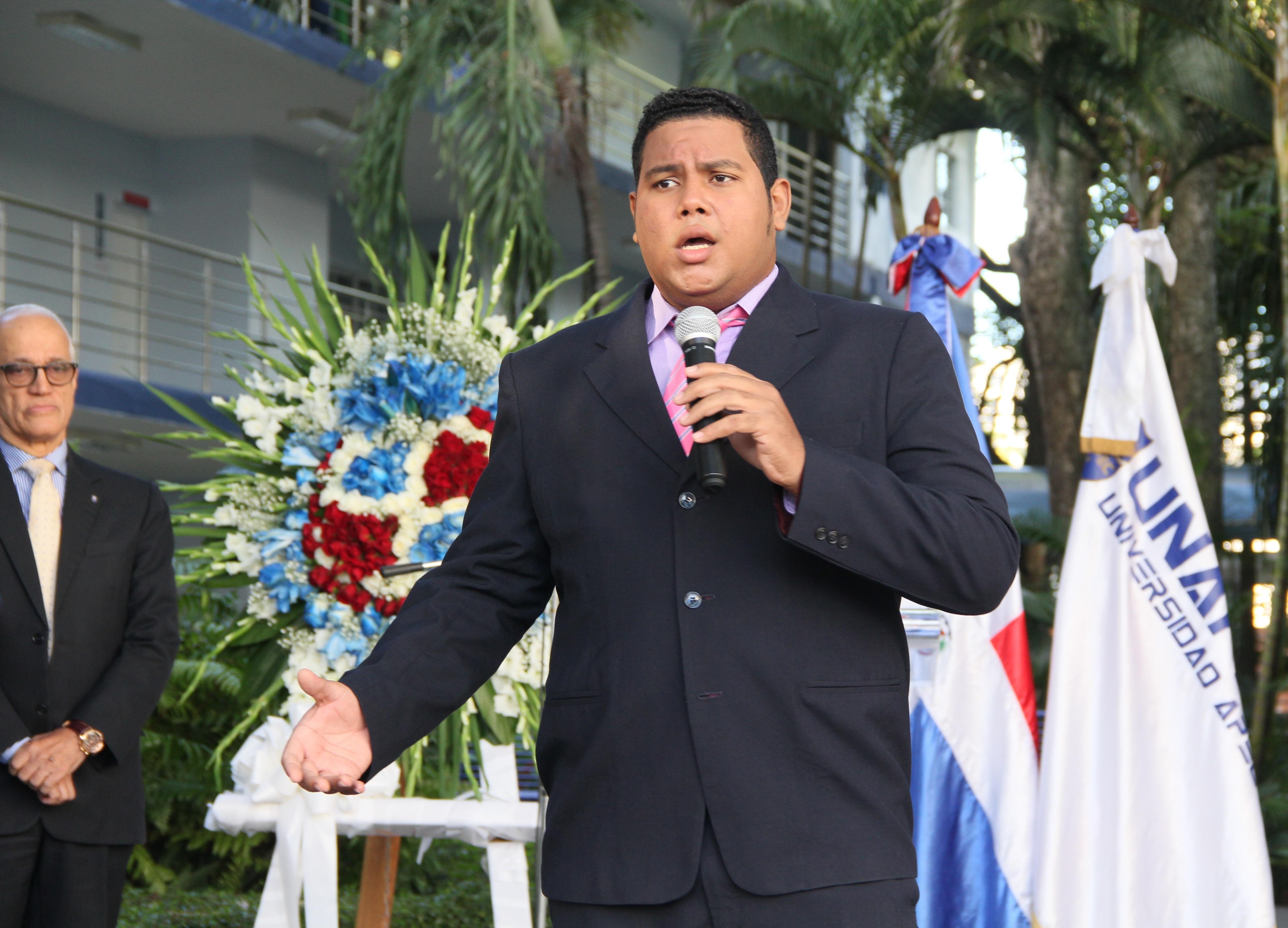 Tenor Otilio Castro.