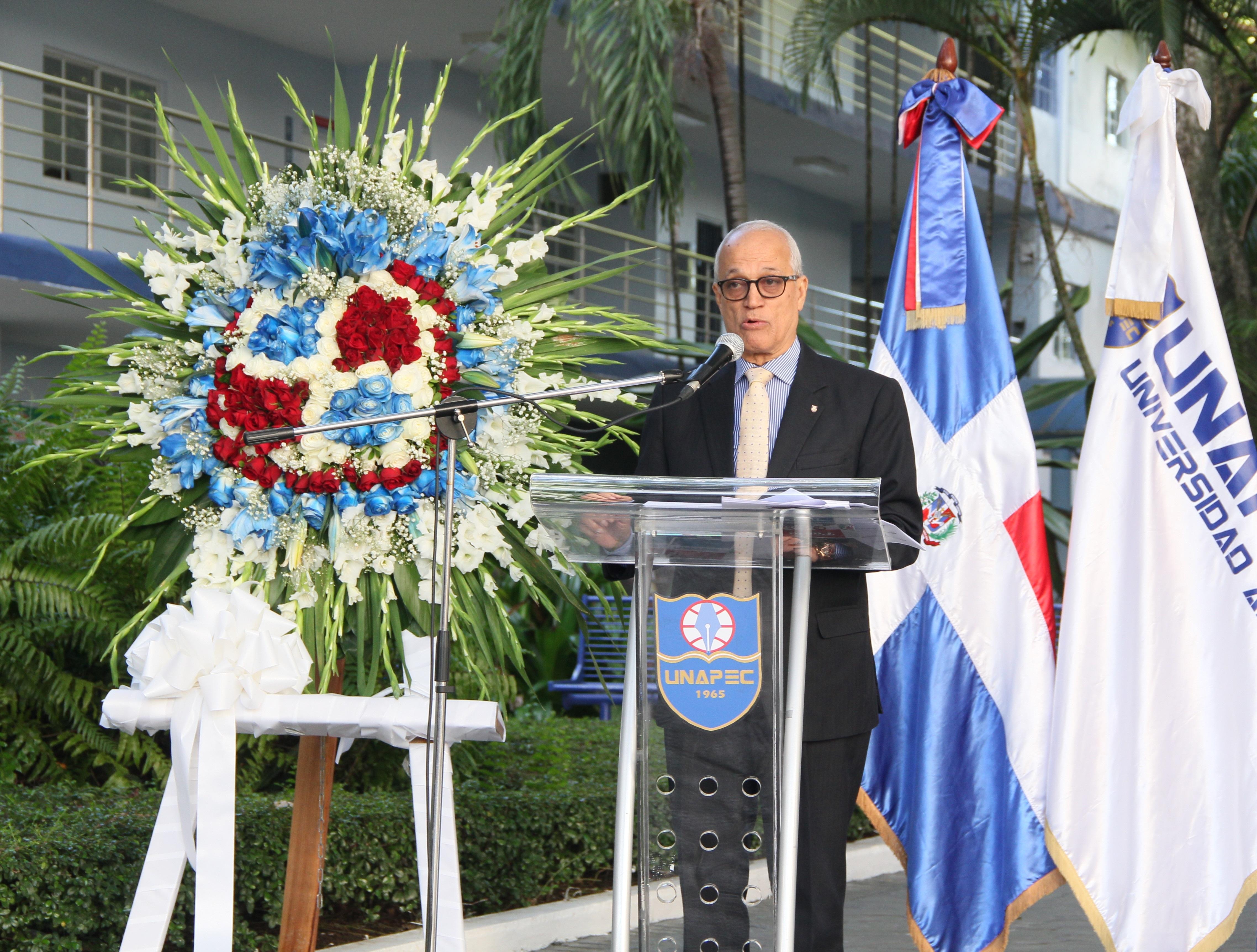 Andrés L. Mateo, decano Estudios Generales de UNAPEC.