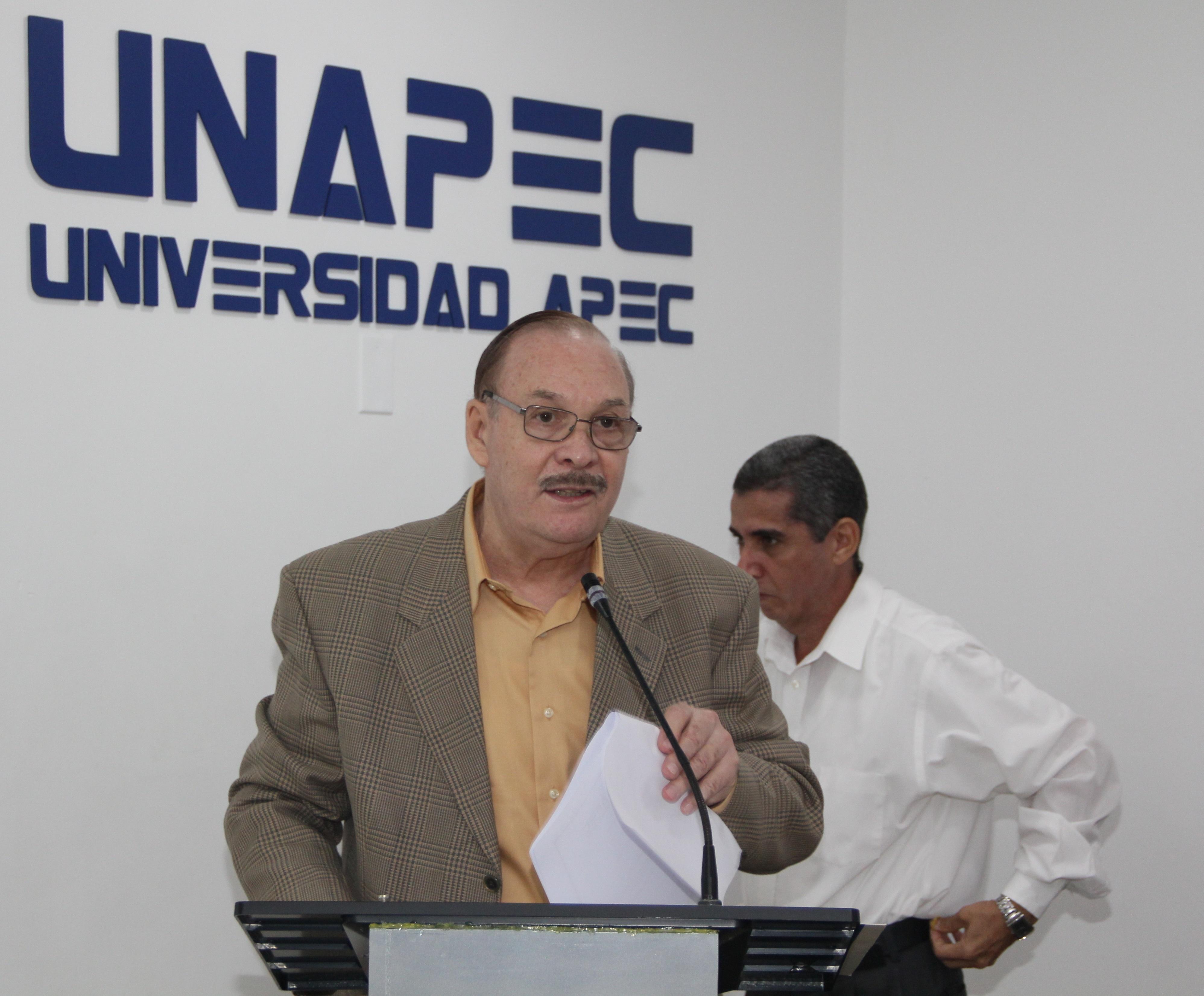 """Exposición sobre los """"Aspectos desconocidos y poco conocidos de Juan Pablo Duarte"""", dictada por Francisco Hilario."""