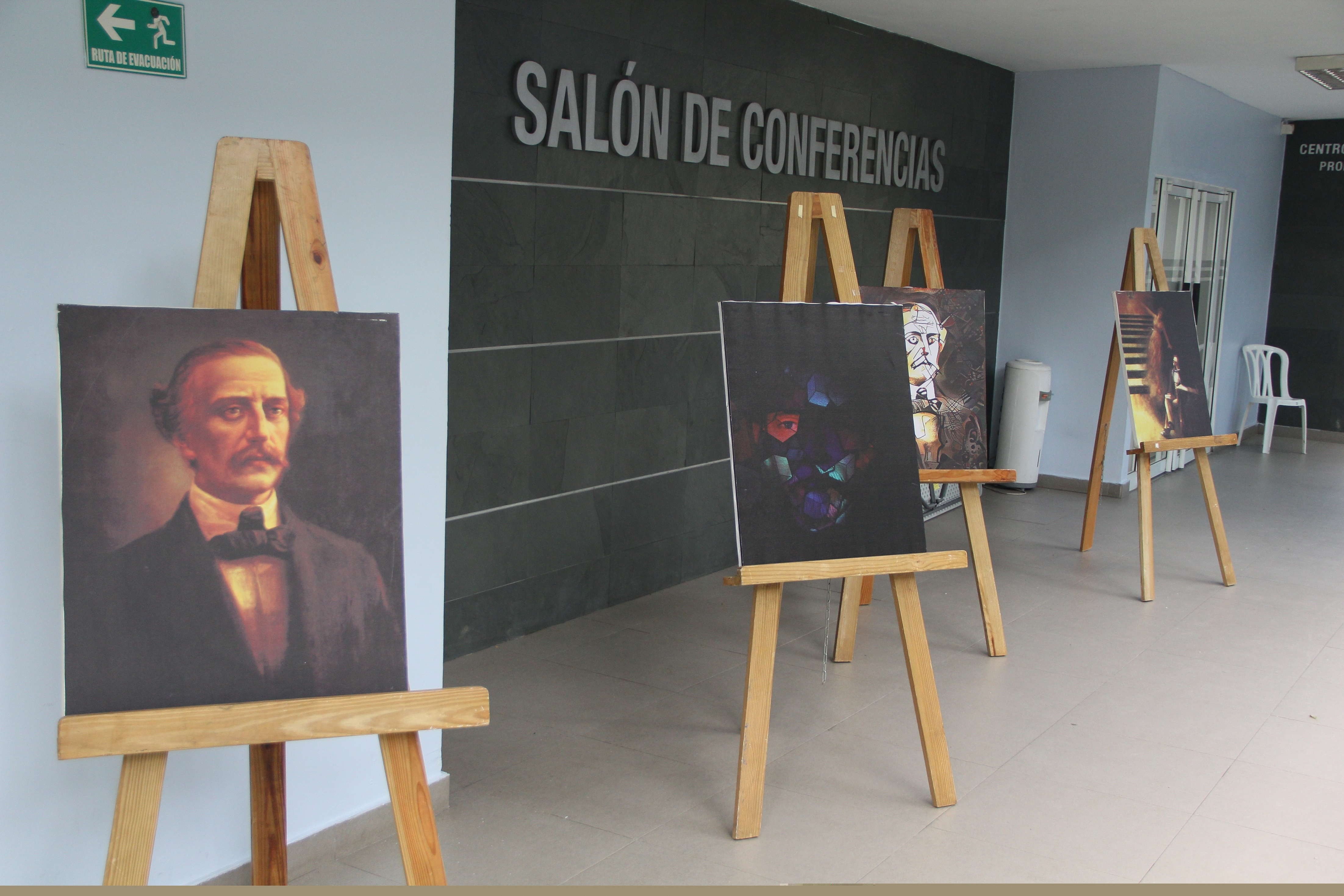 Exposición Fotográfica de Juan Pablo Duarte.
