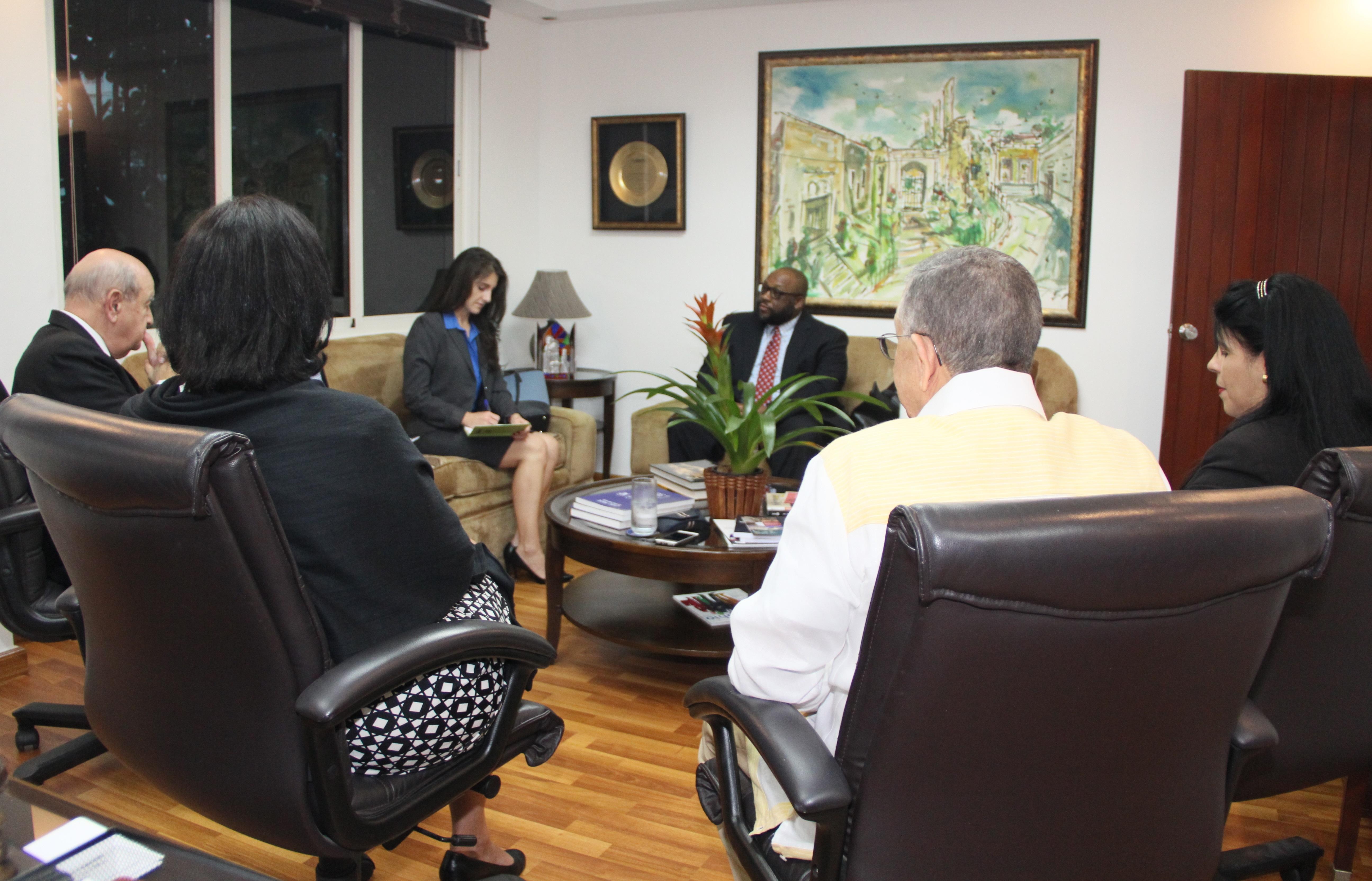 Recibimiento de los representantes de la Embajada de los Estados Unidos en RD.